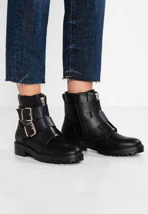 ONLBAD DOUBLE BUCKLE BOOTIE - Cowboy/biker ankle boot - black