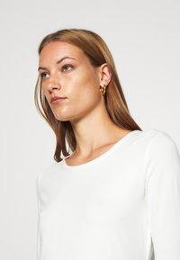 Lindex - VIRA - Camiseta básica - off white - 4
