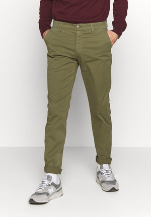 CHUCK LOOSE CHINO - Chino - burned olive