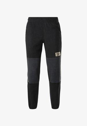 CLASSICS WINTER ESCAPE FLEECE JOGGERS - Pantaloni sportivi - black