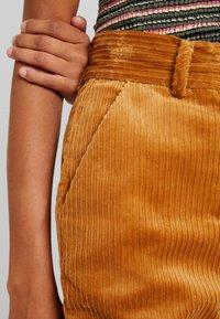 YAS - YASKATY PANT - Trousers - caramel café - 5