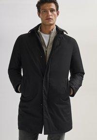 Massimo Dutti - 03421243 - Down jacket - black - 0