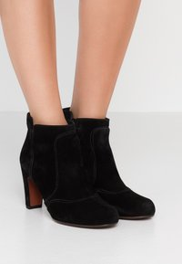 Chie Mihara - KYRA - Ankle boots - black - 0