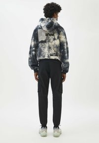PULL&BEAR - Cargo trousers - black - 2