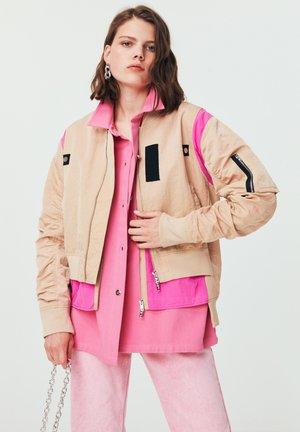 CUT - Bomber Jacket - beige