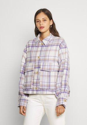 KYLA OVERSHIRT - Light jacket - purple/beige