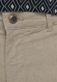 Jack & Jones - KENSO - Shorts - crockery - 5