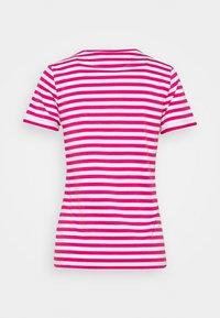 HUGO - THE SLIM TEE - Print T-shirt - bright pink - 8