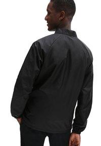 Vans - MN TORREY JACKET - Summer jacket - black - 1