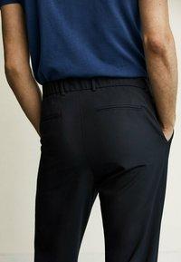 Massimo Dutti - Trousers - blue-black denim - 3