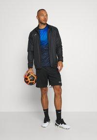 Nike Performance - DRY ACADEMY - T-shirt print - soar/white - 1
