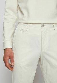BOSS - BROAD - Trousers - natural - 3