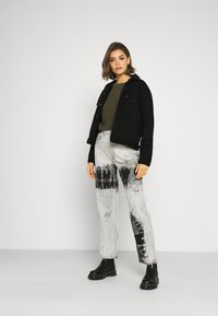 Weekday - ROWE ECHO - Relaxed fit jeans - black/white - 1