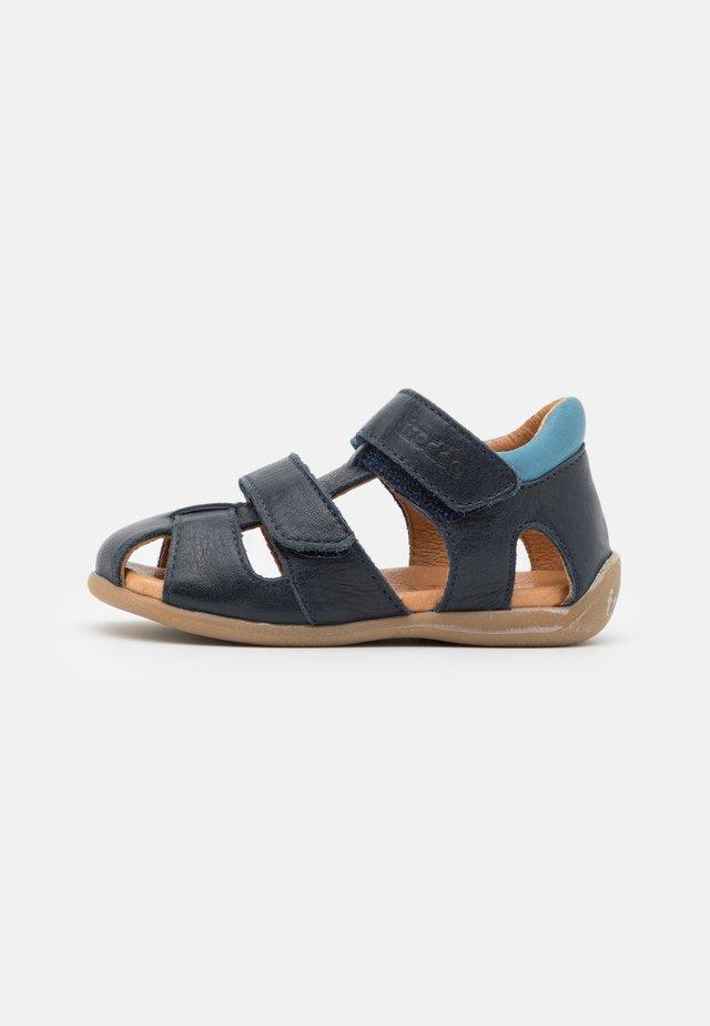 CARTE DOUBLE - Sandaalit nilkkaremmillä - dark blue
