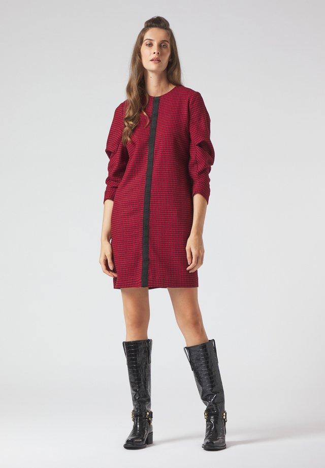 Jumper dress - rosso-nero