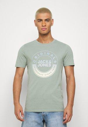 JORCRUISE TEE CREW NECK - Print T-shirt - green