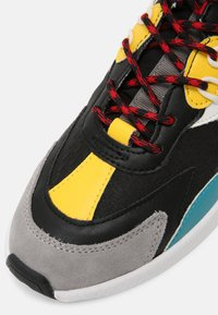 Guess - MODENA ACTIVE - Sneakers - black - 6