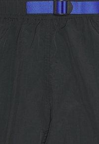 Obey Clothing - EASY RELAXED TREK  - Shortsit - black - 3