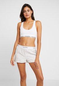 Calvin Klein Underwear - SLEEP SHORT - Nattøj bukser - snow heather - 1