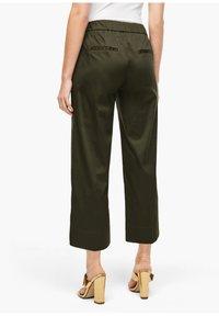 s.Oliver BLACK LABEL - POPELINE - Trousers - dark khaki green - 2