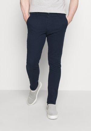 SLHSLIM CHESTER FLEX PANTS - Chinos - navy blazer