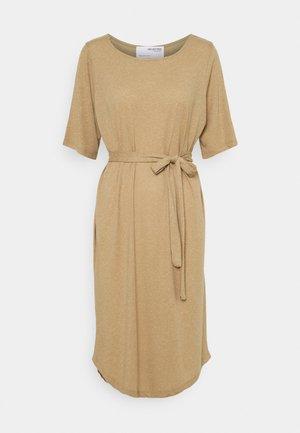 SLFIVY BEACH DRESS SOLID - Jersey dress - kelp