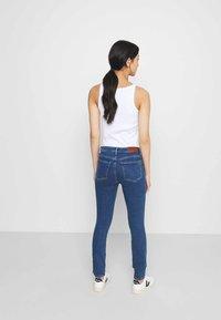 Tommy Hilfiger - COMO CHRIS - Jeans Skinny - blue denim - 2