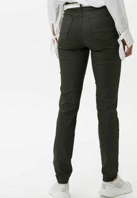 BRAX - STYLE SHAKIRA - Jeans Skinny Fit - clean dark olive - 2