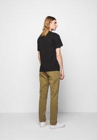 forét - AIR - Basic T-shirt - black - 2