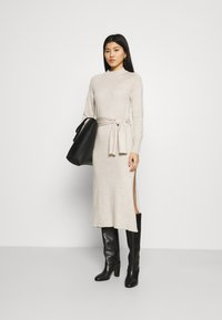 Who What Wear - TIE WAIST DRESS - Jumper dress - cream - 1