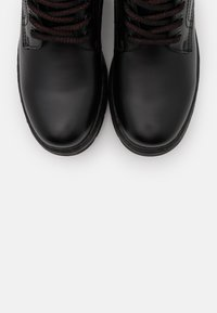 H.I.S - Kotníkové boty na platformě - black - 5