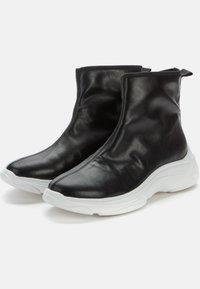 Keddo - Ankle boots - black/white - 2