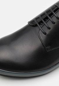 Emporio Armani - Šněrovací boty - black - 5