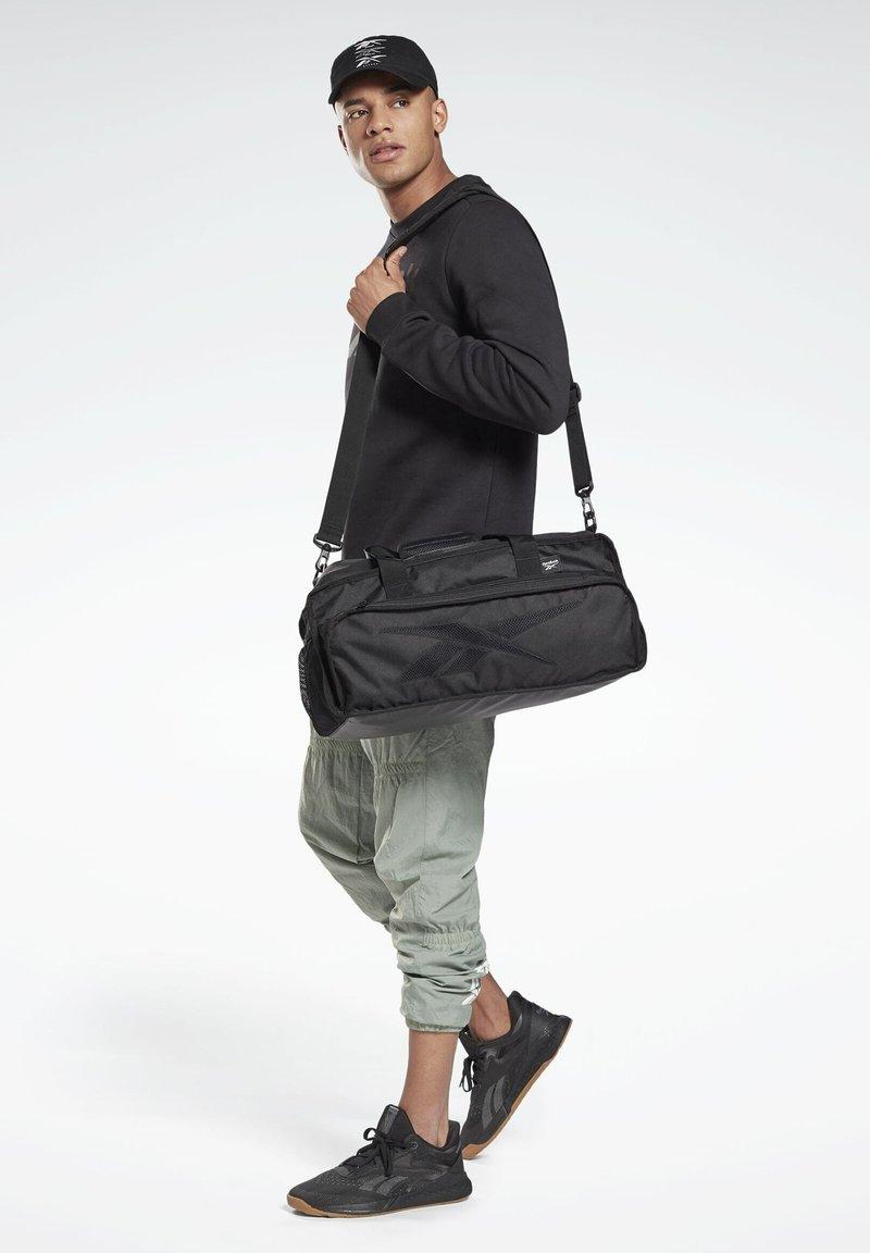 Reebok - ACTIVE ENHANCED GRIP BAG - Sac de voyage - black