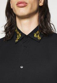 Versace Jeans Couture - BRISCOLA - Shirt - black - 4