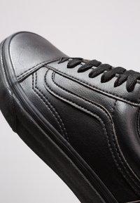 Vans - OLD SKOOL - Trainers - black - 5