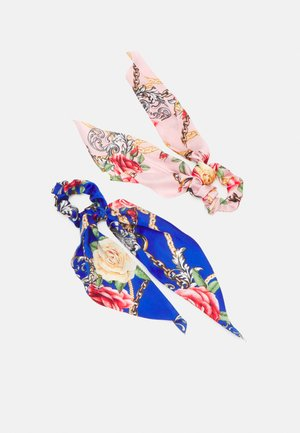 PCANJULIA BOW SCRUNCHIE 2 PACK - Hair styling accessory - petal pink/blue