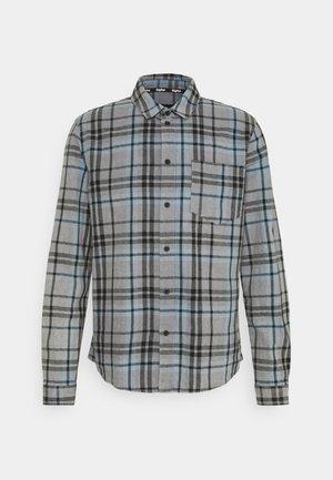 ALMAR - Shirt - concrete grey/ice blue/black