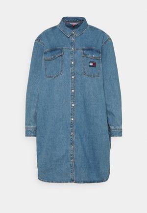 SHIRT DRESS - Spijkerjurk - denim medium