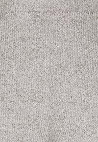 Vero Moda Petite - VMTIA PANT PETITE - Tracksuit bottoms - light grey melange - 2
