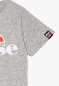 Ellesse - JENA - Print T-shirt - grey marl - 3