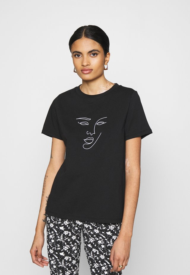PCMANYMA TEE - T-shirt con stampa - black