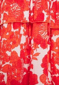 Hofmann Copenhagen - BERENICE PRINT - Denní šaty - coral - 5
