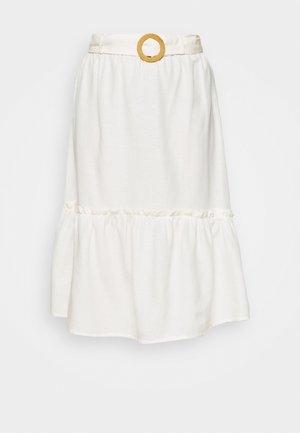 BUCKLE FRONT WHITE TIERED MIDI SKIRT - Áčková sukně - white