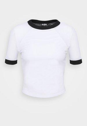 CONTRAST - Print T-shirt - white