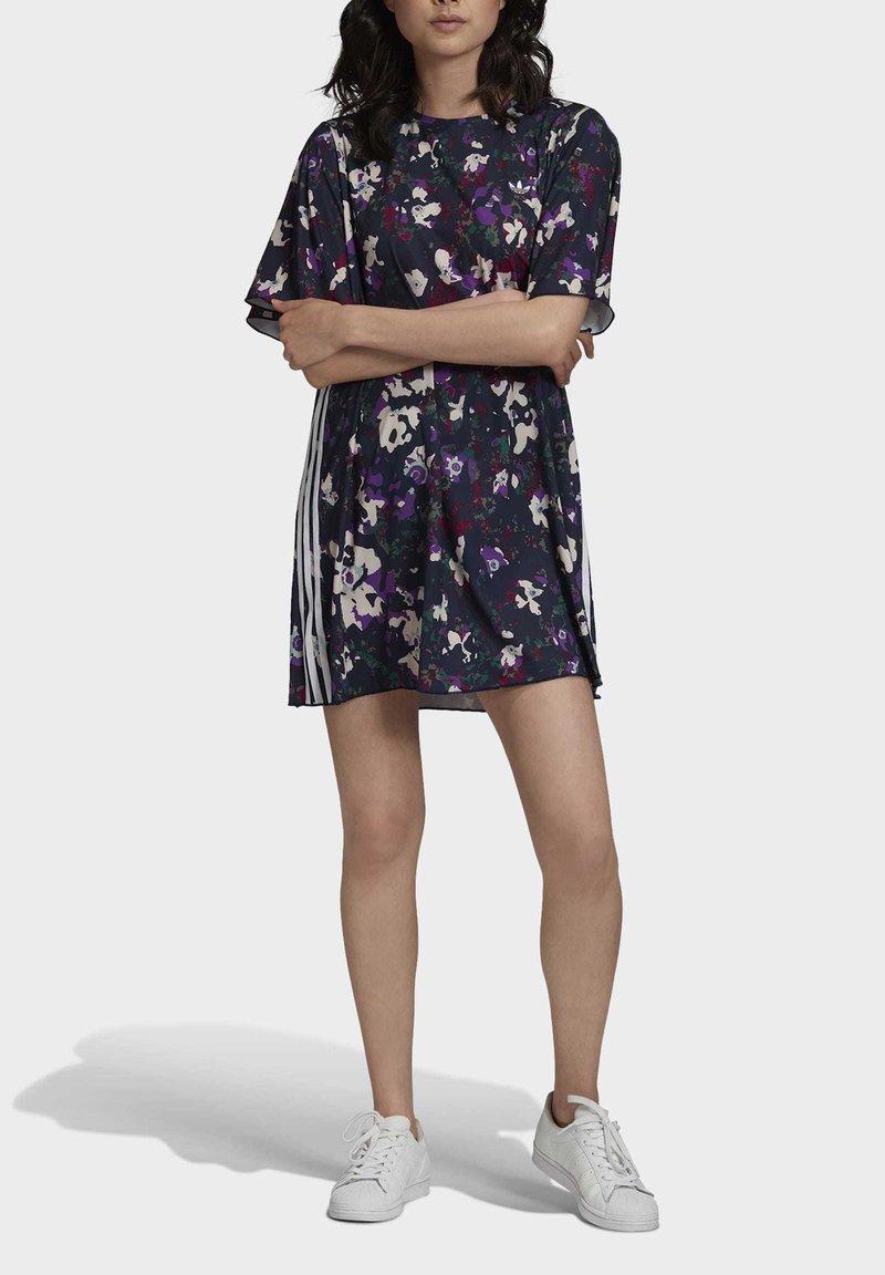 adidas Originals - BELLISTA SPORTS INSPIRED LOOSE DRESS - Sukienka z dżerseju - multicolor