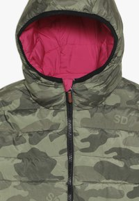 Superdry - REVERSIBLE FUJI - Zimní bunda - highlight pink - 4
