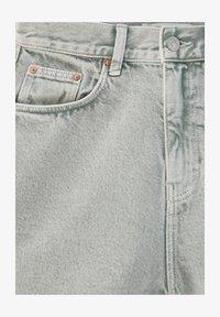 PULL&BEAR - Denim shorts - grey denim - 4