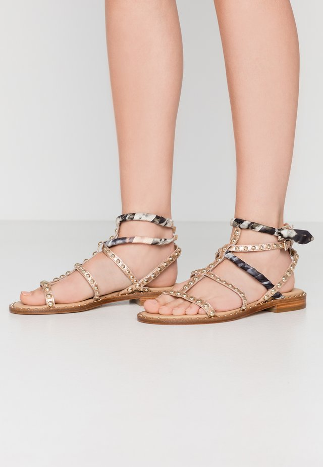 Sandals - rame