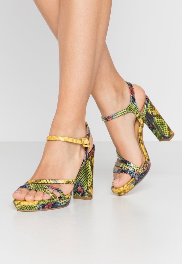 Sandály na vysokém podpatku - yellow/green